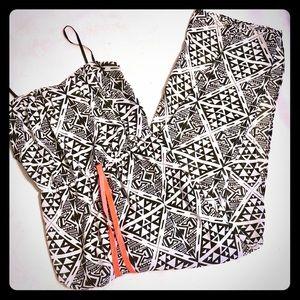 NWOT City Triangles Maxi Dress